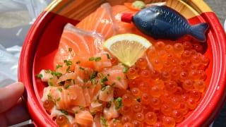 山口県下関市唐戸市場の海鮮丼
