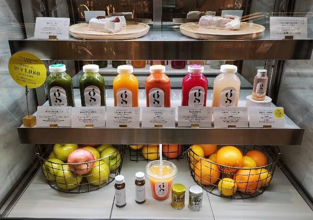 東京都・有明ガーデン「glow juice stand」ショーケース
