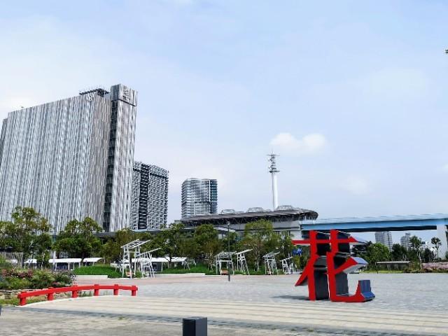 東京都・有明「花広場」
