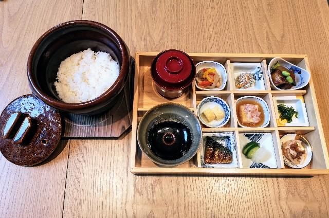 東京・東銀座「SHARI」・料理長のこだわり小鉢御膳