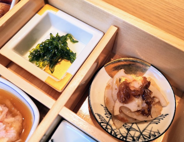 東京・東銀座「SHARI」・料理長のこだわり小鉢御膳(小鉢)2