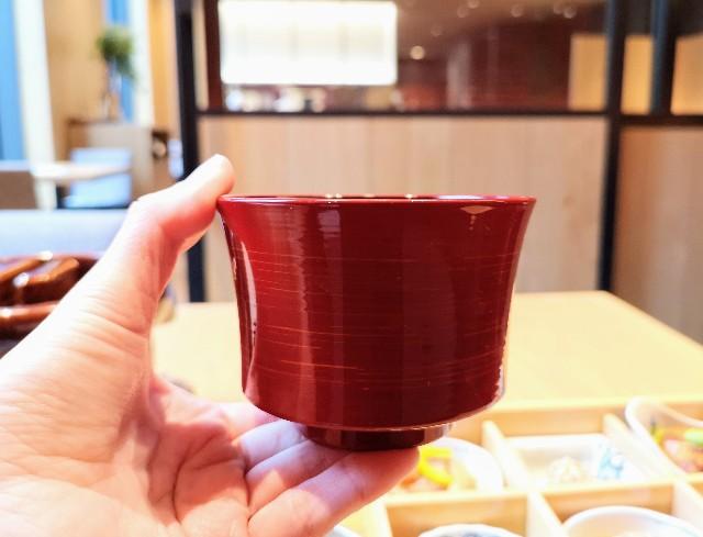 東京・東銀座「SHARI」・赤出汁の椀