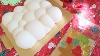 東京・小田急ホテルセンチュリータワー内サザンタワーダイニングのクリスマスケーキ「Pleasant(プレザント)」デコレーション前