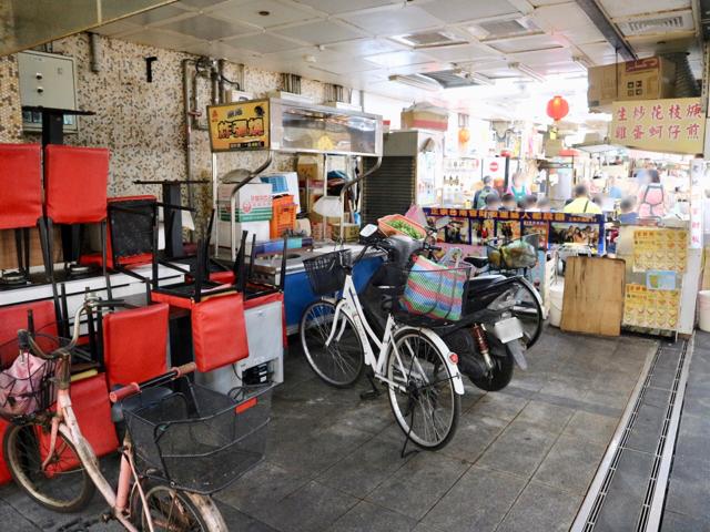 お店があった場所に自転車が