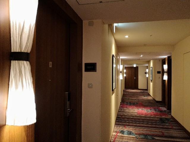 東京・「ホテル龍名館東京」廊下
