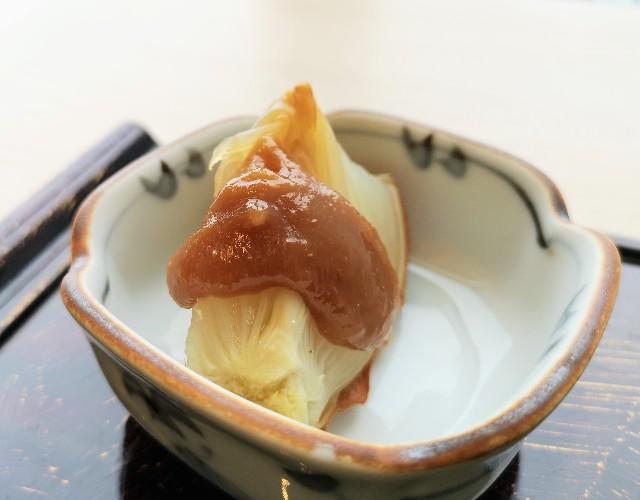 東京・「ホテル龍名館東京」花ごよみ東京(朝食・東京ブッフェ)玉ねぎの丸焼き
