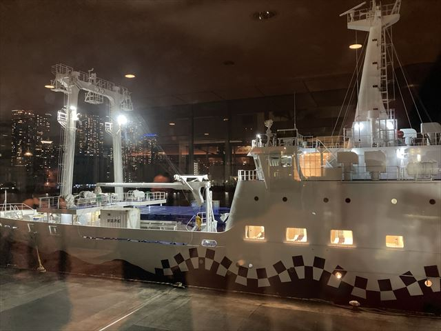 大型夜行客船