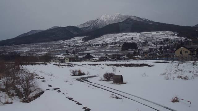車窓の雪景色