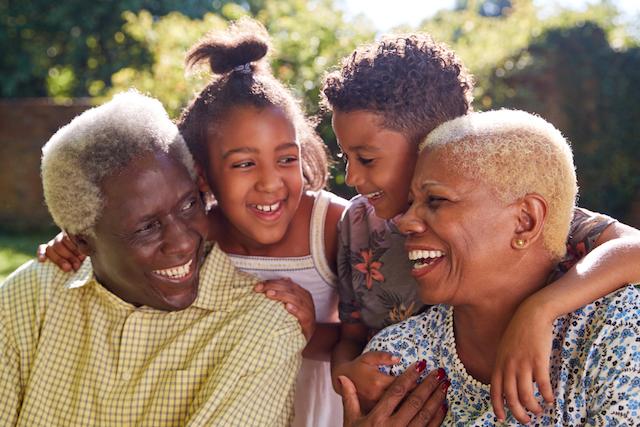 おじいさんおばあさんと孫