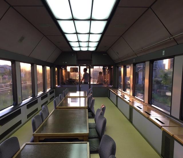 お座敷列車「華」イメージ