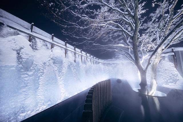 【奥入瀬渓流ホテル】氷瀑の湯_夜