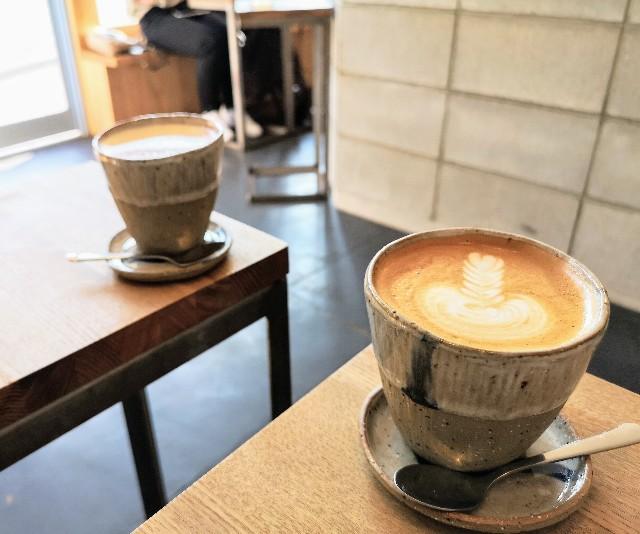 奈良県・奈良市カフェ「ANY B&B + COFFEE」カフェラテとチャイラテ