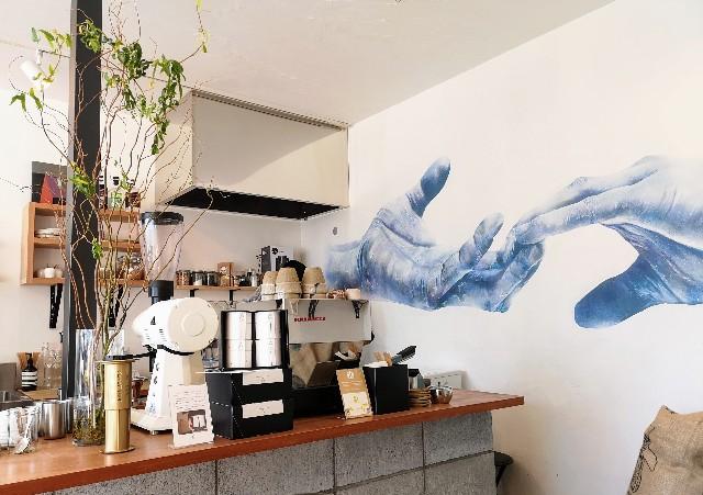 奈良県・奈良市カフェ「ANY B&B + COFFEE」店内