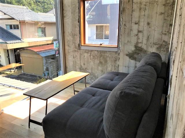2階ソファ席2