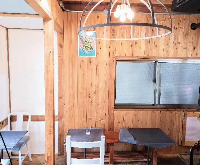 奈良県奈良市・カフェ「onwa」店内