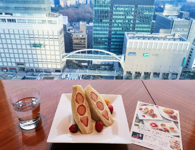 東京都・新宿「小田急ホテルセンチュリーサザンタワー」ストロベリーフェア「苺の贅沢サンドウィッチ」