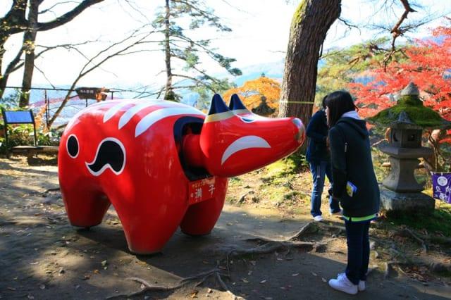 圓蔵寺にある赤べこ