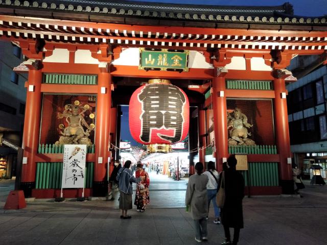 東京さんぽ浅草雷門2
