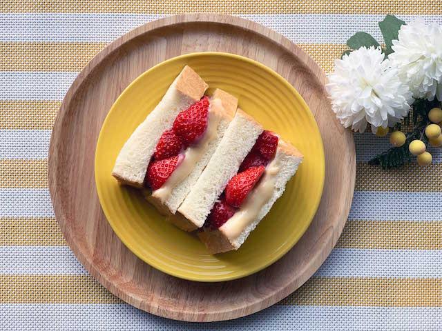 いちご&ホワイトチョコレートジャムのサンドイッチ