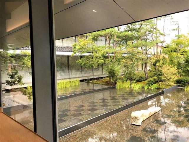 パンとエスプレッソと福田美術館 庭