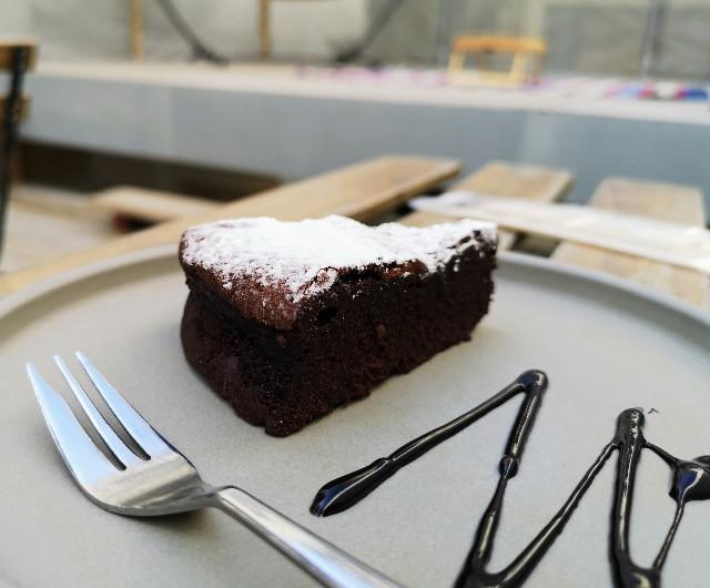 熊本県熊本市・ソーシャルデザインパークカフェ「OMOKEN PARK」チョコレートブラウニー