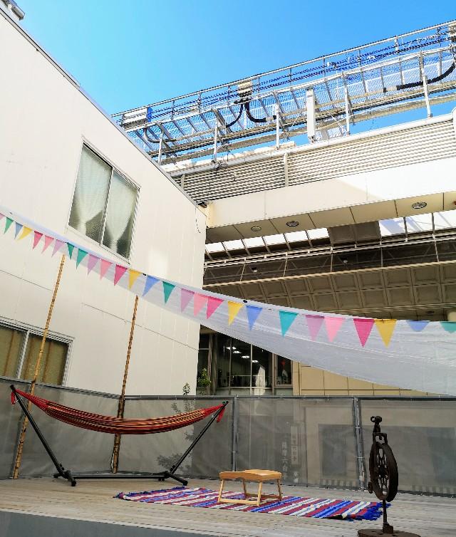 熊本県熊本市・ソーシャルデザインパークカフェ「OMOKEN PARK」テラスの様子