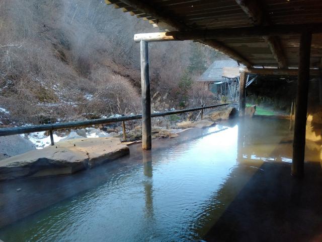 横谷温泉旅館巨石露天風呂