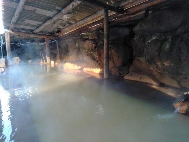 横谷温泉旅館巨石露天風呂3