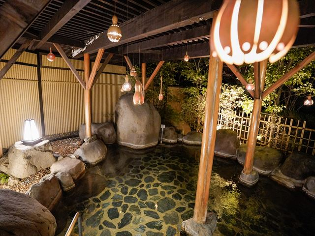 界 川治 夜の露天風呂