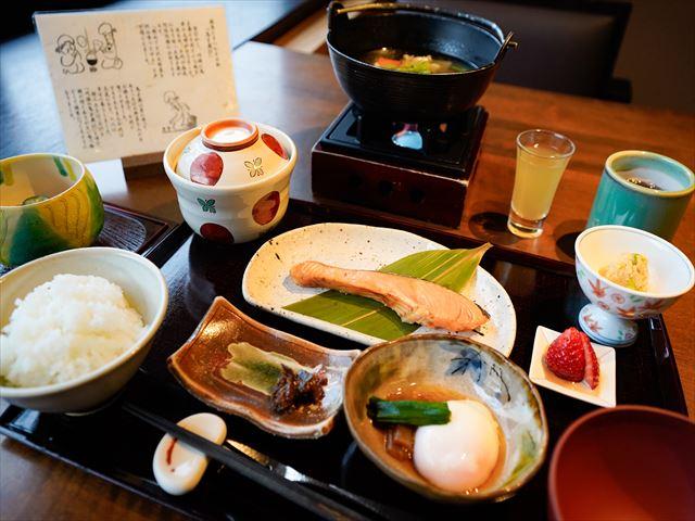 界 川治の朝食
