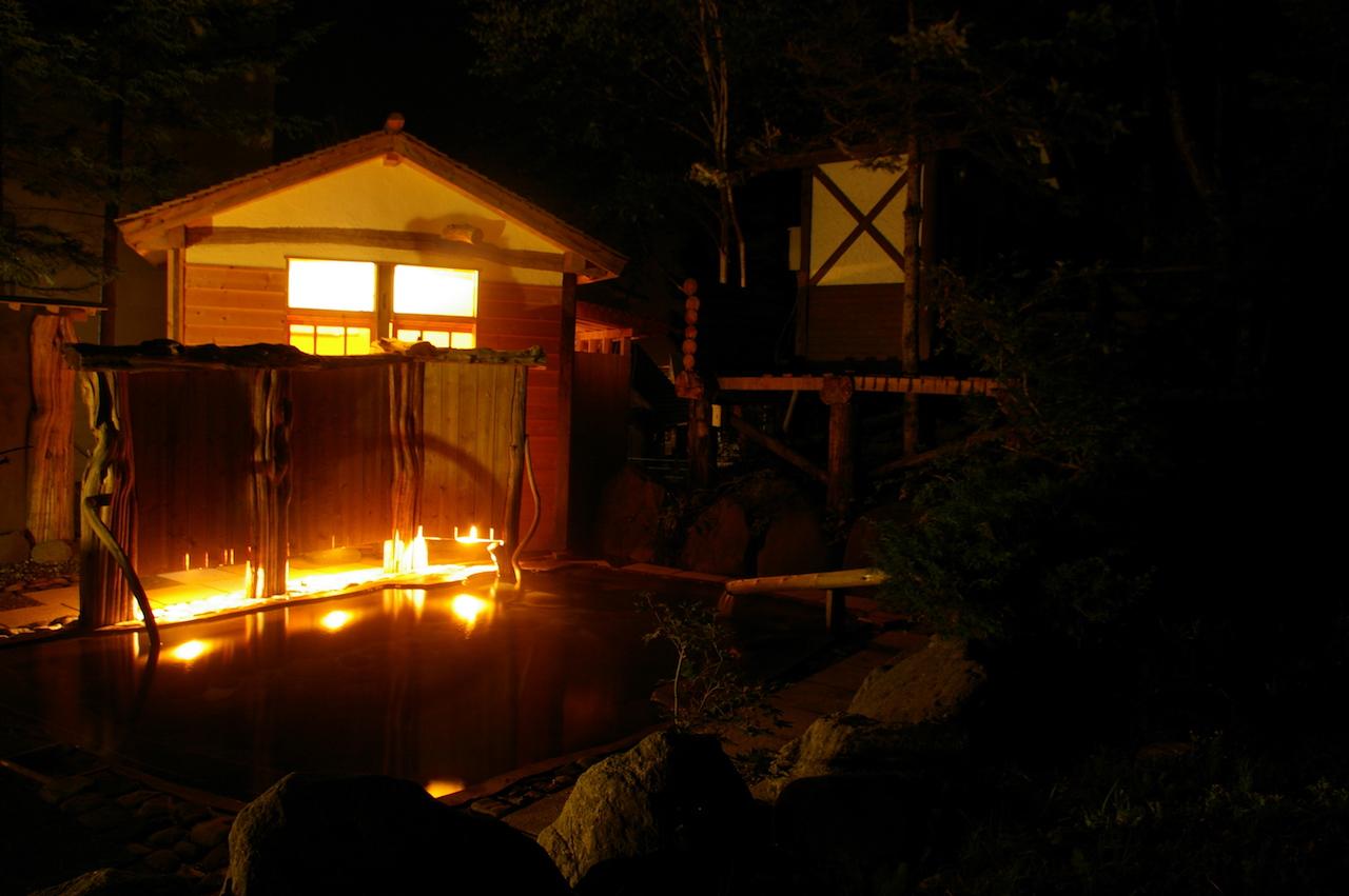 糠平温泉中村屋 夜の露天風呂