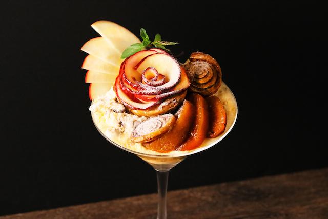 玉林檎のタタンとフィユタージュのパフェ