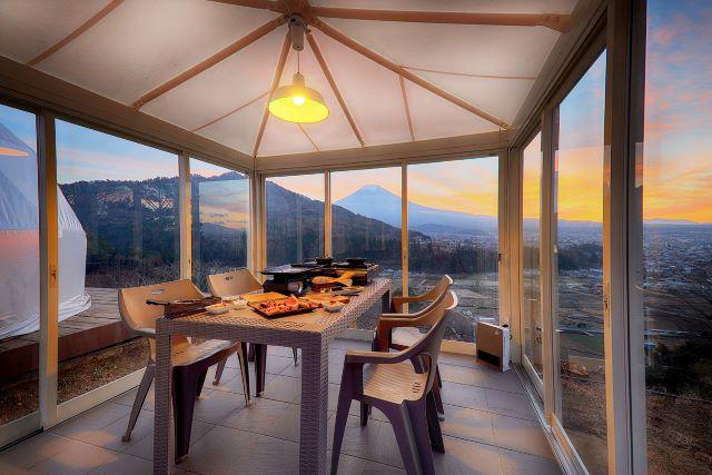 杓子山ゲートウェイキャンプ 食事スペース