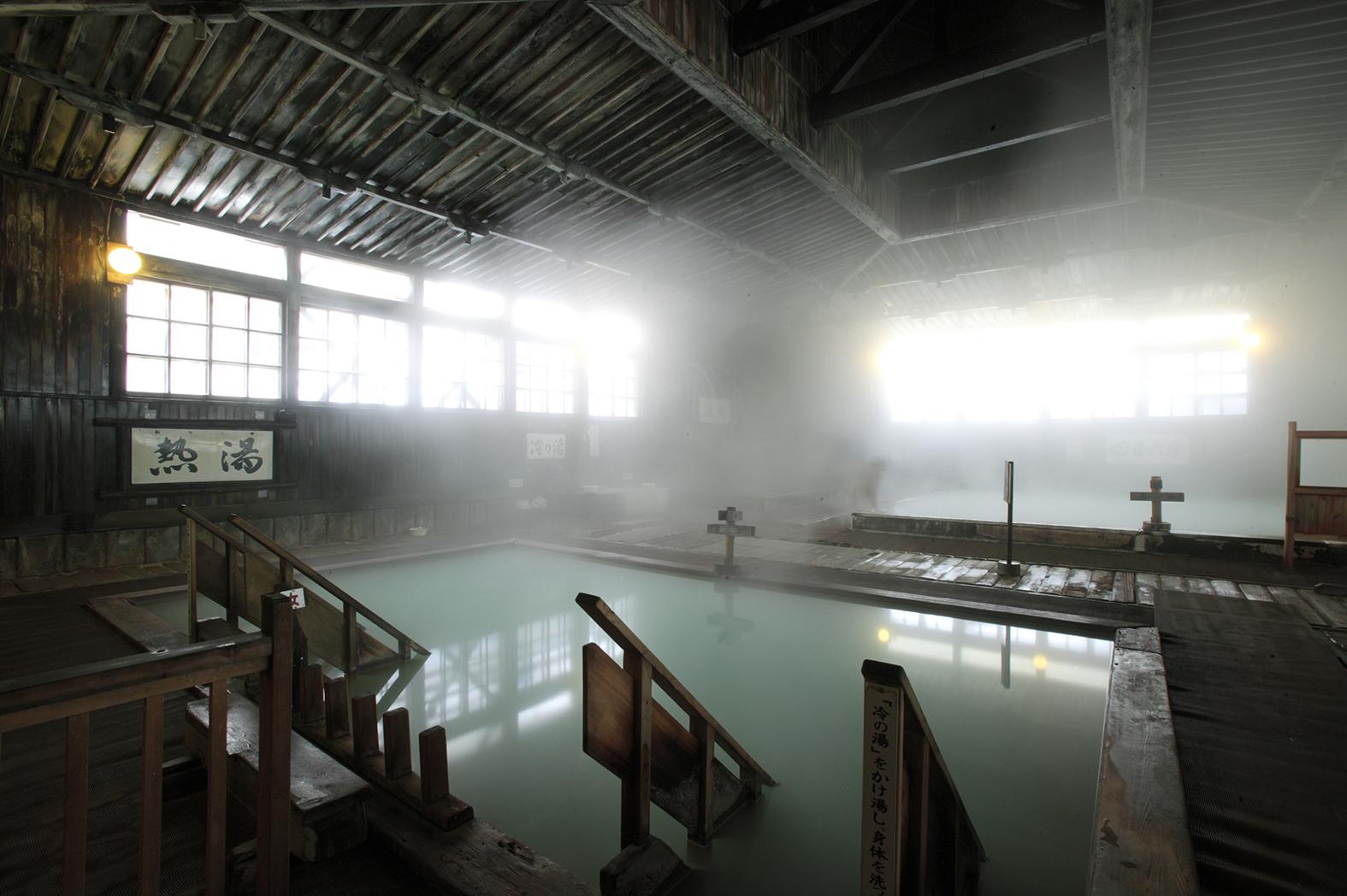 酸ヶ湯温泉 ヒバ千人風呂2