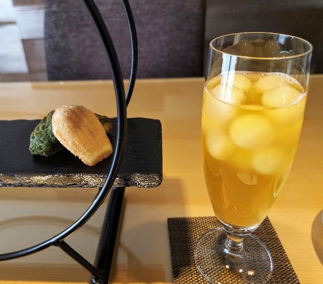 東京・目黒「ホテル雅叙園東京」さくらアフタヌーンティー(酵素発酵茶 La 香寿緑茶)