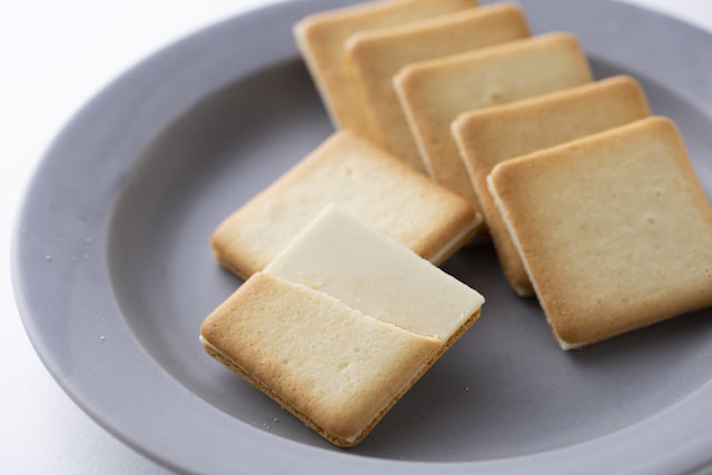 ミルチーズクッキー ラングドシャ