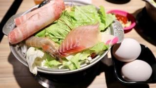 お肉や海鮮がたっぷり