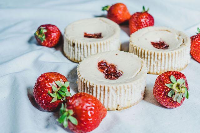 あまおう苺の生カマンベールチーズケーキ