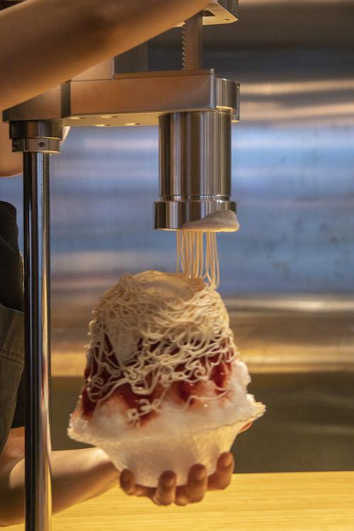 苺と練乳のモンブランかき氷