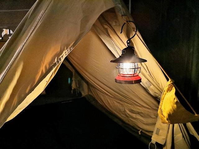 千葉・浦安「シェラトン・グランデ・トーキョーベイ・ホテル」シェラトン・グランピング with ノルディスク「星空キャンプルーム・プラン」ランプとテント