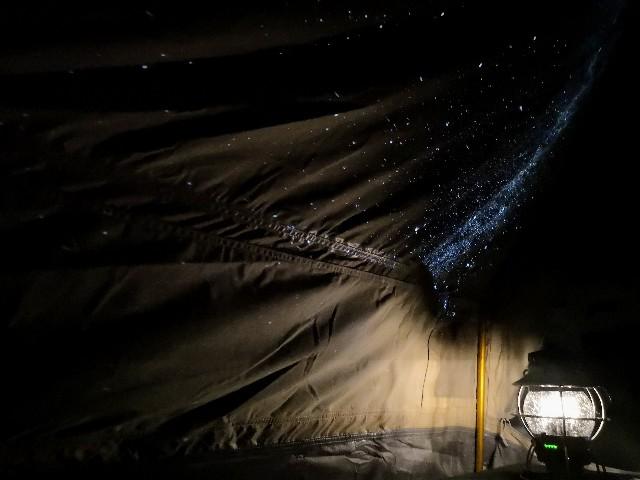 千葉・浦安「シェラトン・グランデ・トーキョーベイ・ホテル」シェラトン・グランピング with ノルディスク「星空キャンプルーム・プラン」プラネタリウムをテントに投影