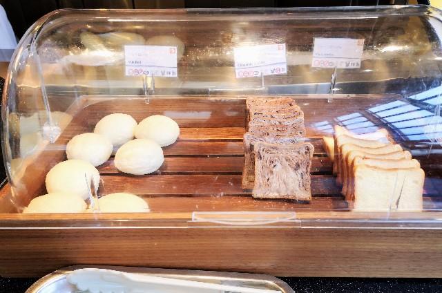 千葉・浦安「シェラトン・グランデ・トーキョーベイ・ホテル」朝食のパン(グランカフェ)