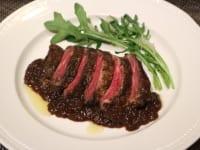 牛ハラミ肉のビステッカ