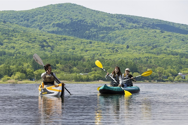 絶景を独り占め!プライベートカヌーで湖上から夏の富士山を楽しむ宿泊プラン