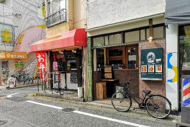 東京都・祖師ヶ谷大蔵「ウルトラマン商店街」ウルトラサウスストリートの様子