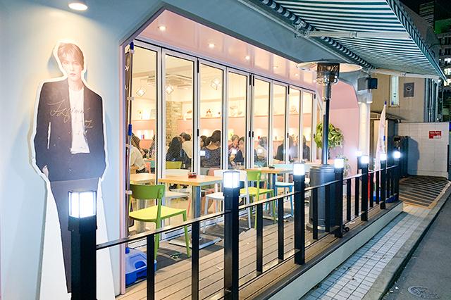 ジェジュンがオーナーのカフェ「Cafe de KAVE」