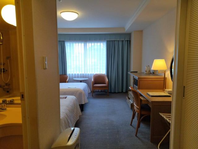 東京サテライトオフィス京王プラザホテル多摩客室