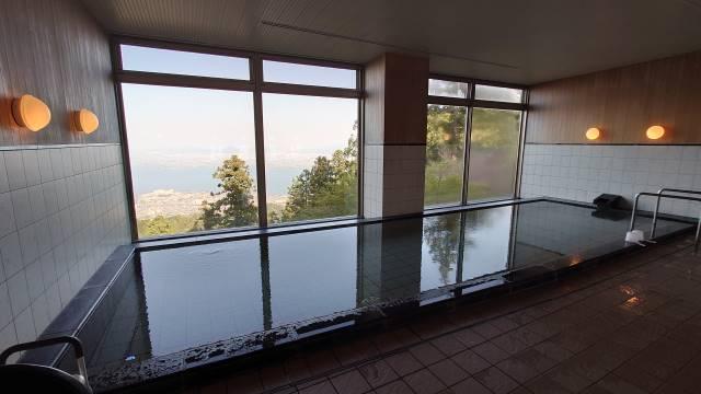 浴室から琵琶湖遠望