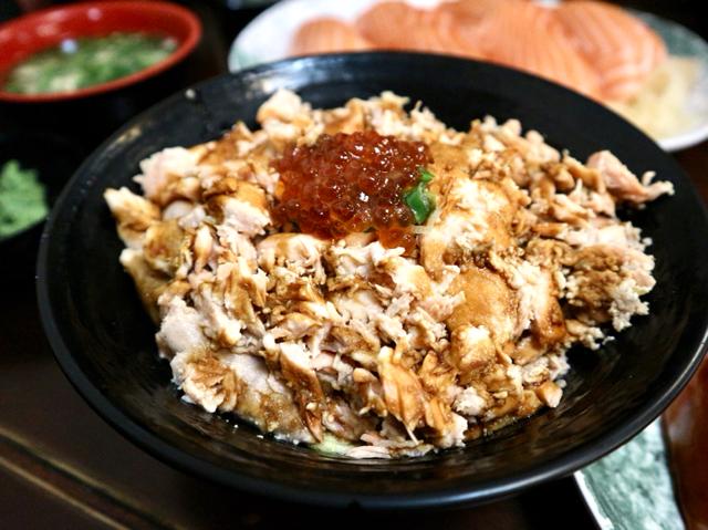 鮭魚魯肉飯
