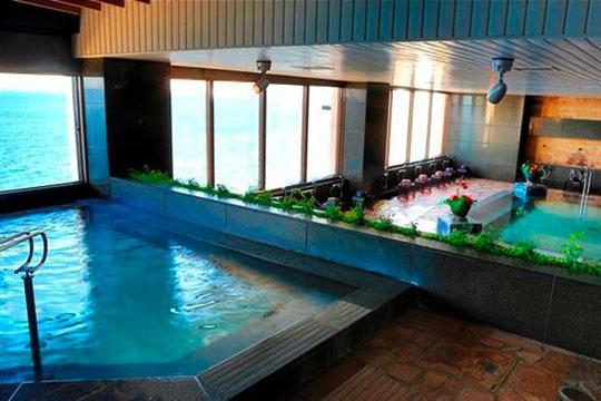 オーシャンビューの温泉大浴場
